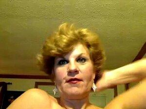 Senhora De 52 Anos Na Impertinente Na Webcam. Ela Adora Se Mostrar Na Internet No Skype Porn