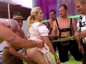 Piercing Madrasta Peituda Em Orgia Selvagem, Madrasta Alemã Peituda Piercing Extrema Orgia De Bukkake Selvagem Gangbang Groupsex Porn