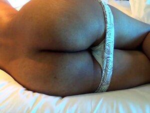 Desi Bubble Booty, Uma Manhã Preguiçosa. Não Consegui Levantá-lo Depois De Uma Boa Noite De Sexo, Por Isso Decidi Fazer Uns Vids Bubble Booty Vids. Porn
