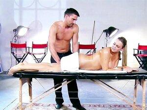 Abadia Brooks Recebe Oleada Cima Friccionou Para Baixo Por Seu Massagista Porn