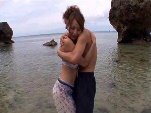 Este Casal é Como Se Fossemos Fazer Sexo Na Praia Nesta Areia - Jessica Kizaki Porn