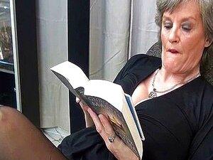 Dona De Casa Madura Em Meias Sexy Pretas Porn