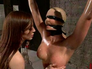 Phoenix Marie Recebe Seu Burro Fisted Em Bondage Porn