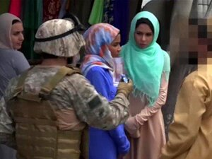 TURNÊ De BOOTY - Tripulação De Tag Pano De Soldados Americanos Buscar Algum Bichano árabe Porn