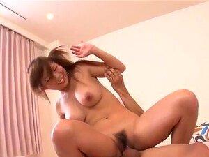 Konatsu Aozona Usa Seus Peitos Para Acariciar Um Pau Grande Porn