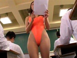 Reforma Da Educação, O Professor Mais Estranha Que Você Nunca Vai Ver. Madura Sexy Reiko Kobayakawa Não Se Vestir Como Um Professor, Mas Usa Um Alto Corte Transparente Bikini Para Ensinar Em Suas Aulas, Que Faz Com Que Seus Alunos Extremamente Excitada. Porn