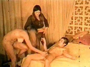 Pornô Clássico Da Década De 1960 - Trio De Adolescentes Peludas Retrô Porn