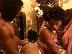 Lila é A Estrela De ébano No Hardcore Este Vintage Porn