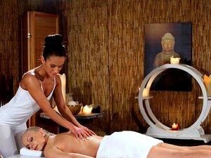 Salas De Massagens Punhos Eróticos E Rostos Sentados Porn