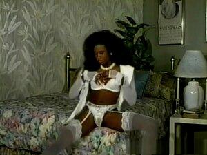 Incrível Estrela Pornô Na Mais Quente Cena Inter-racial, Negra E Ebony Adulta, Deixe-nos Levá-lo De Volta Para Um Tempo De Beleza De Cabelo Encaracolado E Mostrar-lhe Um Incrível Exercício Hardcore Como Esta Rainha Do Sexo ébano é Mostrado Outra Maneira D Porn