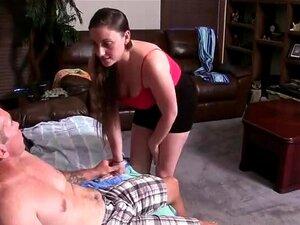 O Pai E A Filha São Apanhados, Apanhados Em Flagrante Pela Mãe. Porn