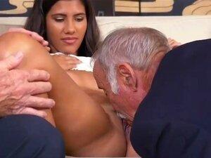 O Autocarro Do Velho E A Amante Frannkie E O Bando Estão De Volta! Porn