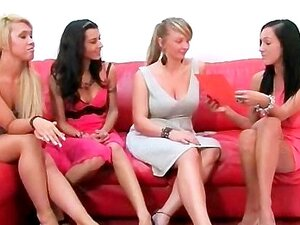 Quatro Gostosas Esfregando Pilas Na Orgia CFNM Porn