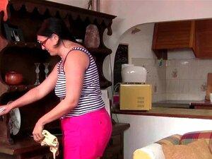 Gordinha Madura Dona De Casa Com Buceta Peluda Se Masturba Porn