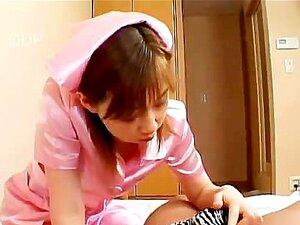 Yuka Sakagami é Uma Adorável Pequena Enfermeira Asiática Porn