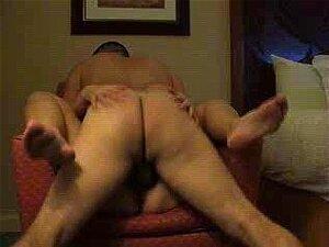 Cuckold Enjoys Photos Wife Enjoys Penis, O Corno Deu Uma Boa Racion Para Fazer Fotos. Porn