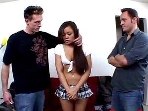 Donny Long Estica Aberto Apertado Minúsculo Imbecil Asiático E Dupla Penetração Buceta Porn