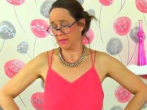 Inglês Milf Josie Cobre Dela Xoxota Peluda Com Collants Apenas Porn