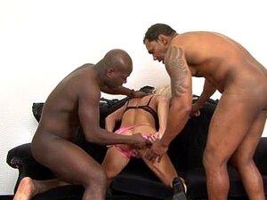 A Avózinha Fode Dois Negros Em Sexo A Três. Porn