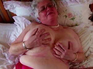 Super Vovó Com Grande Peitos De E Fome Vagina Porn