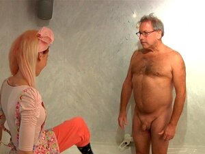 Empregada Com Tesão Teen Fode Um Velho Cliente Hotel Porn