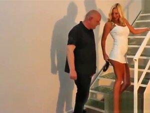 Foder Com Um Vestido Branco Sexy, Porn