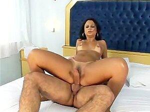 Cavalgando E Dando O Rabo Porn
