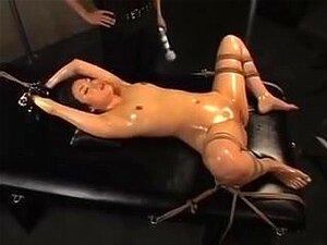 Amável, Amarrado E Oleado Escotis Menina Asiática Como Uma Puta, Linda Chinesa Babe é Amarrado E Lubrificada Para Uma Sessão Hardcore Squirting Conforme Ela Recebe Seu Bichano Estimulou Muito. Porn