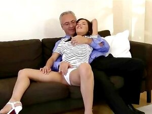 Sexy Teen Seduz Velho Excitado Porn