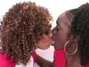 Clube De Moças Negro De Lésbicas Porn