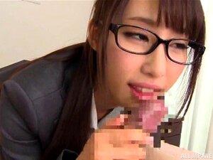 Durante Uma Entrevista De Emprego Uma Rapariga Japonesa Gira Bate Uma Punheta A Um Tipo Da Shunka Ayami Porn