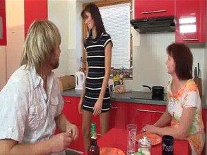Jantar Leva A Família Trindade Porn