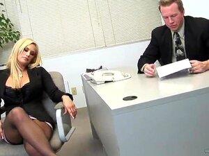 Secretária Loira Putinha Porn