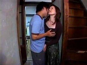 Erotic Japonês Mãe E O Filho Não é Dela, Porn