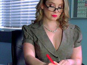 A Professora Masturbadora Teve Uma Opção Melhor E Ela Foi Perfurada No Wc Sunny Lane. Porn