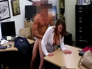 Gata Morena De Peito Grande A Ser Fodida Na Loja De Penhores Porn