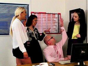 Mulheres Empregadas Da Cfnm A Bater Uma Punheta Em Grupo Porn