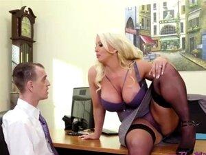 Chefe Sexy Com Mamas Grandes Porn