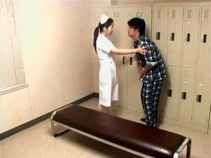 Paciente Decidiu Jogar Com Um Sexo De Câmera Escondida De Enfermeira, A Enfermeira Estava Mudando Suas Roupas No Vestiário Quando Algum Paciente Entrou E Começou A Curtir Com Ela. O Sexo Foi Gravado Em Uma Câmera Escondida Colocada Dentro Do Vestiário. Porn