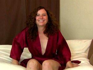 ATKhairy: Fiona - Filme De Entrevista, Fiona é Uma Rapariga Peluda Madura Com Cabelo Vermelho Bonito E Um Grande Regalo. Ela Está Feliz Em Responder A Perguntas Sobre Sexo E Cabelo E Sexo Peludo. Fiona é Também Bastante Ansiosa Para Mostrar O Seu Amigo Pe Porn
