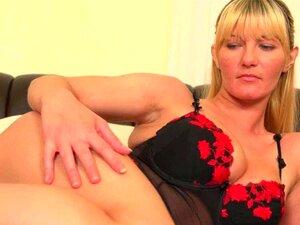 Mães Com Peitos Grandes E Buceta Peluda Se Masturba Porn
