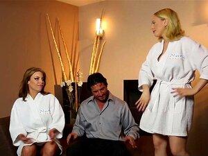 Duas Boazonas Usaram Um Grande Cliente De Pilas E Partilharam O  Olá . Duas Boazonas, A Britney Amber E O Kagney Linn Karter Usaram Um Grande Cliente De Pilas E Partilharam A Pila Dele Antes Da Rata Hardcore Foder Depois De Massagens Fantásticas, Os MILFs Porn