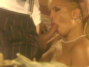 Angel Cassidy Monta Um Pau Em Um Sexo Vídeo No Estilo Dos Anos 50 Porn