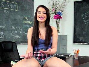 Belas Raparigas A Mostrarem Os Seus Corpos Porn