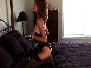 A Milf A Foder O Vibrador Com Collants Pretos. Porn