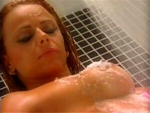 Viviane Ara&uacute_jo - Chuveiro Porn