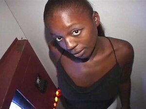Garota Negra Louca Latoya Assume Stragers No Gloryhole Porn