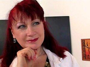 Paintress Madura Cavalga Seu Galo Jovem Porn