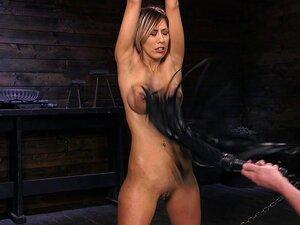 Peituda Latina Morena Demi Lopez Abusado Com As Mãos Amarradas-o Papa, Demi Lopez Porn
