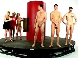 As Putas Da Cfnm Não Podem Ter Homens Nus Suficientes Para Chuparem. Porn